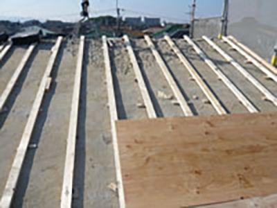 屋根軽量瓦葺き替え